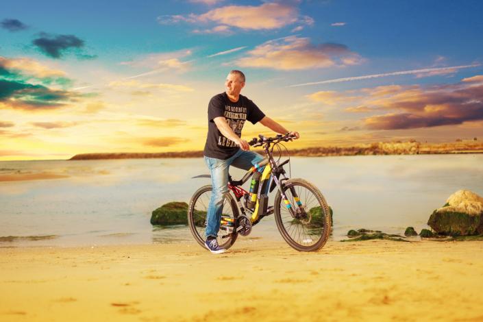 אופניי הרים חשמליים אנדורו של גרין בייק- תמונת רקע