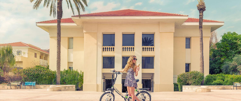 """תמונת רק- אופניים חשמליים בת""""א"""